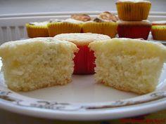 Martinina kuchyně: Krupicové muffinky s citronem Quesadillas, Cornbread, Vanilla Cake, Cupcakes, Ethnic Recipes, Desserts, Pizza, Food, Lemon