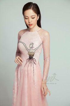 Amazing Dresses, Beautiful Dresses, Nice Dresses, Formal Dresses, Vietnamese Traditional Dress, Vietnamese Dress, Traditional Gowns, Ao Dai, Chinese Style