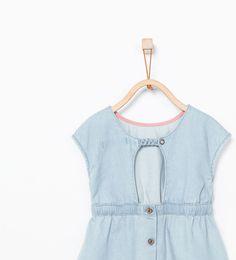 ZARA - KIDS - Denim dress with appliqué and low-cut back Marti, Denim Top, My Princess, Fashion Kids, Kind Mode, Jeans Style, Kids Outfits, Girls Dresses, Bloom
