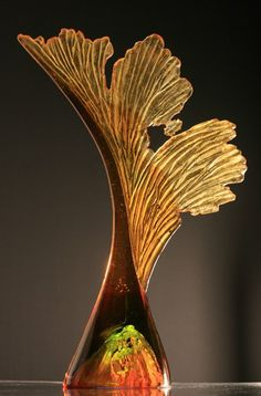 Sycamore Seed (glass sculpture) by Crispian Heath. «I am interested in the organic, color and rhythmic qualities in nature and nature inspired objects. It's all art. Fused Glass, Stained Glass, Sycamore Seed, Art Of Glass, Glass Artwork, Art Sculpture, Seed Pods, Glass Ceramic, Mellow Yellow