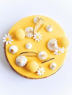 Creativity is the key ! (No recipe, just picture) Beautiful Desserts, Beautiful Cakes, Daisy Party, Fancy Desserts, Lemon Desserts, Pastry Art, Mousse Cake, Sweet Tarts, Pretty Cakes
