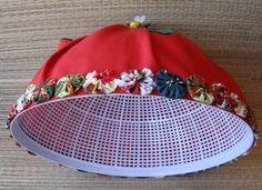 Decor Crafts, Diy And Crafts, Sewing Crafts, Sewing Projects, Christmas Crafts, Christmas Decorations, Baby Dress Design, Old Frames, Diy Pillows