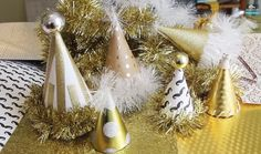 10 Gorgeous New Year's Eve Decorations You Can Make Yourself  | Make these for the ball drop!