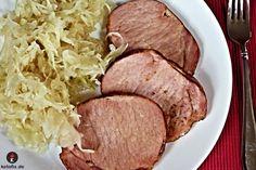 kasseler sauerkraut rezept lowcarb. Für die ketogene Diät ist Kasseler mit Sauerkraut ideal. Auch wenn du oft keine Zeit hast und es schnell gehen muss, dann nimm dieses Rezept nach alter deutschen Küche unbedingt in deinen ketogenen Ernährungsplan auf. Du kannst es auch noch mit einer Portion Fett aufwerten. Zutaten 150 g Kasseler 150 g Sauerkraut 1/4 Zwiebel optional 1 Lorbeerblatt optional Schwarze Pfefferkörner optional 3 Nelken optional Wacholderbeeren optional #