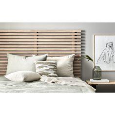 Tuki sengegavl i hvidolieret eg Home Bedroom, Master Bedroom, Bedroom Decor, Bedroom Ideas, Bedrooms, Diy Interior, Wooden Diy, Blinds, Architecture Design
