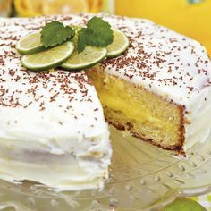 Creamy lemon filling and frosting with lime - yum! No Bake Desserts, Dessert Recipes, Bagan, Cake Bites, Cheesecake Cookies, Swedish Recipes, Healthy Baking, Let Them Eat Cake, Baked Goods