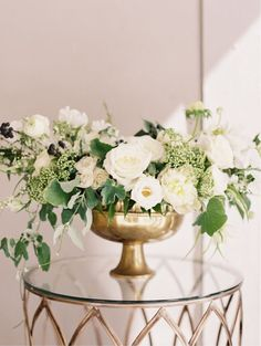 Spring Wedding, Flowers by Sweet Woodruff, Photo by When He Found Her, Featured on Style Me Pretty