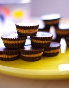 Chocolate Peanut Butter Cups, Mini Cupcakes, Sweets, Sugar, Shapes, Cooking, Desserts, Recipes, Food