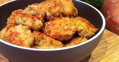 Necesitamos 3 rebanadas de pan 500 gramos de pechuga de pollo, troceada 110 gramos de floretes de brócoli 1 zanahoria pequeña 1 ce...