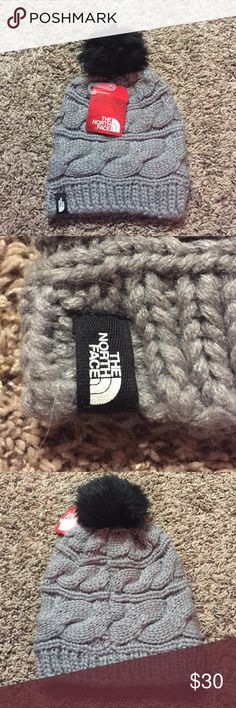 🍁NWT NORTH FACE BEANIE Super cute beanie! Cable knit pattern with black pom pom on top! The North Face Accessories Hats