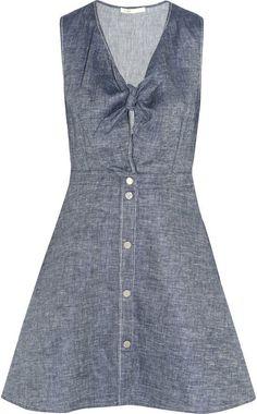 Pin for Later: 52 Façons de Porter du Denim — Sans Porter de Jeans  Maje Mini-robe en chambray de lin mélangé à  noeud sur le devant Ruben (225€)
