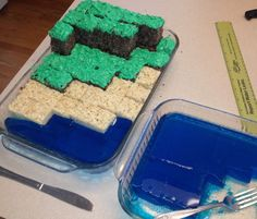 Minecraft Cake - Complete with water Minecraft Party Tyler would love this.
