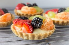 Fruit tartlets - recipe - Daily Gourmet. Shortcrust pastry filled with creme patisserie and topped with fresh fruits. Very easy and quick. Simply delicious.