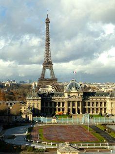 Ecole militaire - Eiffel tower (cw23)