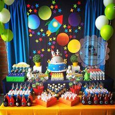 astrounata festas criativas menino decorao centro de mesa bolo