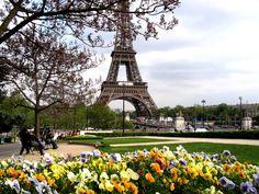 Zabytki Paryża - zobacz znane i podziwiane atrakcje w stolicy Francji. Gdzie warto się udać i jakie miejsca na turystycznej mapie Paryża zaliczyć.