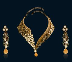 Splendid collection of latest gold necklace designs by Hazoorilal Jewellers. Visit our store in delhi to witness best in class Designer Gold Necklaces. Bridal Jewelry, Gold Jewelry, Jewelry Necklaces, India Jewelry, Quartz Jewelry, Diamond Jewellery, Jewelry Holder, Jewlery, Trendy Jewelry