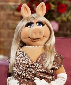 9 Times Miss Piggy Was The Ultimate Feminist Icon #refinery29  http://www.refinery29.com/2015/04/86592/miss-piggy-first-award-brooklyn-museum