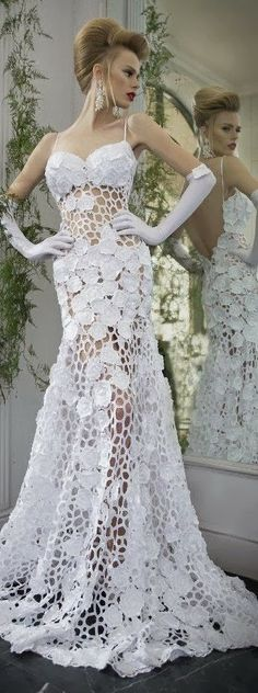 Amazing lace gown with stunning wedding hairstyle