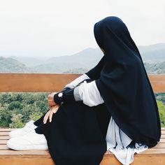 Kurangilah kesenanganmu di dunia maka akan berkurang dukamu di akhirat. - Imam Syafi'i . Tag Sahabat-sahabat Tersayangmu  .  Follow @MuslimahIndonesiaID  Follow @MuslimahIndonesiaID  Follow @MuslimahIndonesiaID  . Untuk #MuslimahIndonesia By @woodyplova http://ift.tt/2f12zSN