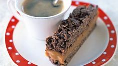 Easy Caramel Slice, Chocolate Caramel Slice, Easy Slice, Chocolate Topping, Mini Desserts, Easy Desserts, Delicious Desserts, Yummy Food, Tasty