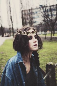 First of all, that's effy from skins. Second, that flower crap is so photoshopped
