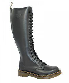 Dr. Martens 1B60 20 Eye Zip Boot Black