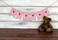 Valentine's Day Photography Prop Burlap Banner in Pink and Red / Valentine Garland.