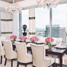 Dining room with a view! Dinning Room Tables, Dining Rooms, Home Office Design, House Design, Dinner Room, Dream Decor, Home Decor Inspiration, Decoration, Interior Design