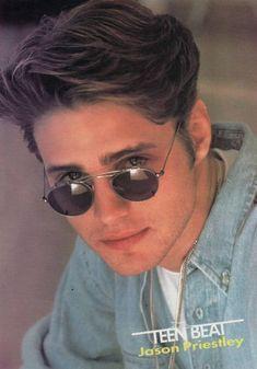 Brandon Walsh, Hot Country Men, Jason Priestley, Luke Perry, Beverly Hills 90210, Bad Boy Aesthetic, Mel Gibson, Vintage Boys, Blake Lively