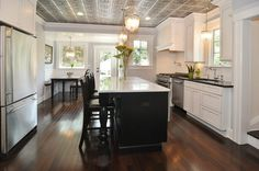 Pretty kitchen, tin ceiling