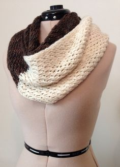 Ravelry: hlinton's Snowdrift Infinity Cowl. Knit. free