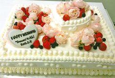 ウェディングケーキ ローズ Fresh Fruit Cake, Fruit Cakes, Japanese Cake, Pretty Wedding Cakes, Sweet Cakes, Cakes And More, Wedding Anniversary, Cake Decorating, Sweets