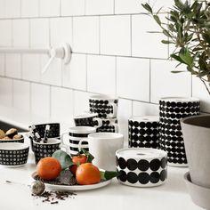 Lotta Agaton for Marimekko - Nordic Design Marimekko, Scandinavian Interior Design, Nordic Design, Jar Storage, Interior Design Inspiration, Decoration, Home Kitchens, A Table, Kitchen Dining