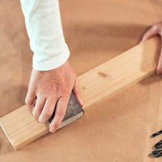 How To Build Floating Shelves — The Family Handyman Build A Murphy Bed, Murphy Bed Plans, Laundry Room Pedestal, Wooden Bird Feeders, Sanding Tips, Project Steps, Barn Wood Projects, Wood Screws, Woodworking