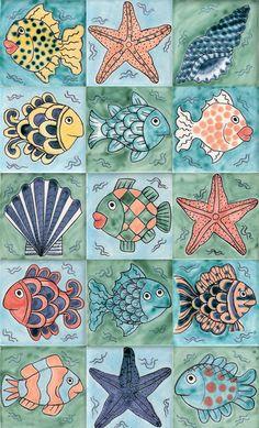 Il rivestimento bagno tra piastrelle e gres porcellanato Fish and starfish tiles: Tiles Reptile & ceramics Ceramic Fish, Ceramic Art, Painted Rocks, Hand Painted, Decoupage Paper, Fish Art, Ceramic Painting, Starfish, Reptiles