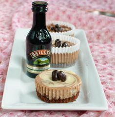 Bailey's Cheesecake Cupcakes 26 Boozy Desserts To Get You Tipsy On St. Baileys Cheesecake, Cheesecake Cupcakes, Baking Cupcakes, Cupcake Recipes, Cupcake Cakes, Dessert Recipes, Coconut Cupcakes, Cup Cakes, Mini Cupcakes
