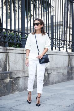 White_Ripped_Jeans-Outfit-Celine-Street_Style-12
