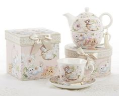 Playful Kittens Porcelain Tea Cup and Saucer in matching round Hat Box