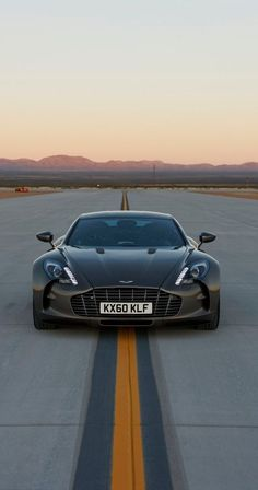 Runway Aston Martin One 77 #CarFlash