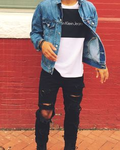 Stylish and Trendy Ripped Jeans Outfit for Men Fashion Mode, Urban Fashion, Fashion Trends, Fashion Ideas, Street Fashion, Jeans Men Fashion, Men Hipster Fashion, Hipster Outfits Men, Skater Fashion