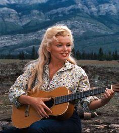 """Marilyn Monroe in """"River of no Return"""" 1954"""