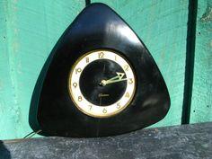 Fantastic Sessions Art Deco Wall Clock. Runs Perfectly.