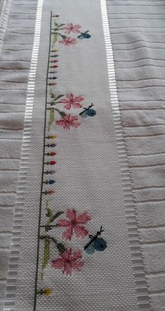 Cross Stitch Patterns, Diy And Crafts, Bohemian Rug, Tapestry, Embroidery, Canvas, Crochet, Bath Linens, Cross Stitch Rose