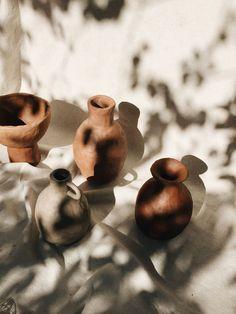 Sculptures Céramiques, Sculpture Art, Ceramic Pottery, Ceramic Art, Ceramic Decor, Recent Earthquakes, Brown Aesthetic, Still Life Photography, Minimal Photography