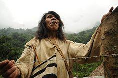 (allankassin) Tags: santa city man lost costume hands colombia native nevada ciudad keith eerie sierra richards indigenous indigena kogi kogui poporo
