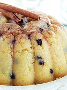 xalvas simigdalenios me portokali exo Greek Sweets, Greek Desserts, Greek Recipes, Vegan Desserts, Just Desserts, Dessert Recipes, Halva Recipe, Greek Cake, Cypriot Food