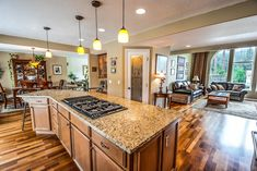 7 Tips on Home Staging: How to Stage the Kitchen Kitchen Design Open, Open Concept Kitchen, Open Kitchen, Kitchen Layout, Küchen Design, House Design, Design Ideas, Kitchen Countertops, Kitchen Appliances