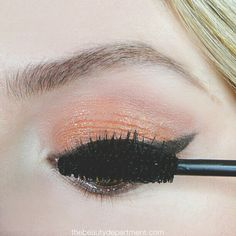 Mascara doesn't have to end up under your eyes! Take a few seconds to do this trick (it's free!) and you're good to go!