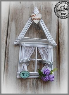Easy Crafts To Sell, Diy And Crafts, Newspaper Crafts, Art N Craft, Ladder Decor, Origami, Weaving, Collage, Pocahontas